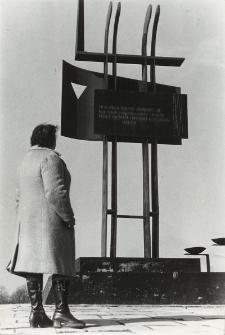 Pomnik upamiętniający więźniów KL Stutthof (Przebrno) [fotografie]