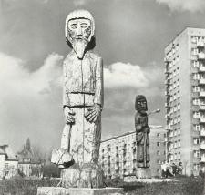 Rzeźba ludowa (ul. Nowowiejska) w Elblągu [fotografie]