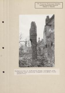 Kamieniczka nr 3. Fragment ściany zachodniej przy podwórzu oraz zachowany fragment gotyckiej ściany południowej
